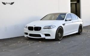 BMW M5 (F10) + Llantas HRE FF15 IPA