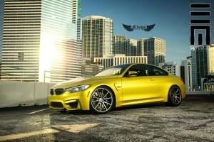 BMW M4 (F82) Coupe + Llantas Vossen VFS1